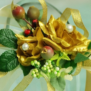 Exalted Golden Silk Cloth Flower Wedding Wrist Corsage for Bride