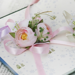 Fine Light Pink Silk Cloth Flower Wedding Bridal Wrist Corsage
