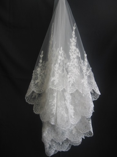 Wedding Veils with Lace Applique Edge