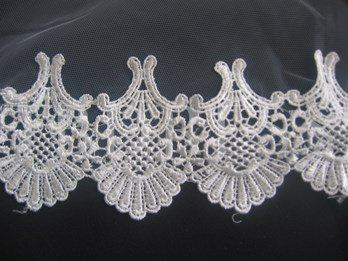 Fingertip Wedding Veils With Lace Applique Edge