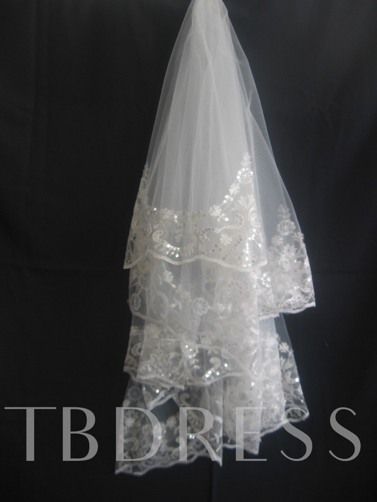 One-Layer Fingertip Wedding Veil With Lace Applique Edge