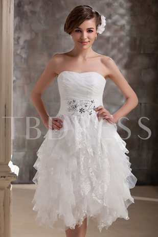 Short Sweetheart Ruffles Daria's Lace Wedding Dress