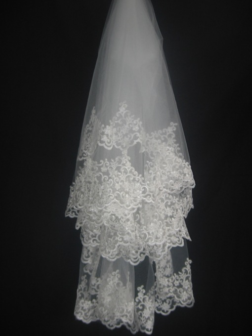 Elbow Lace Applique Edge Wedding Veil