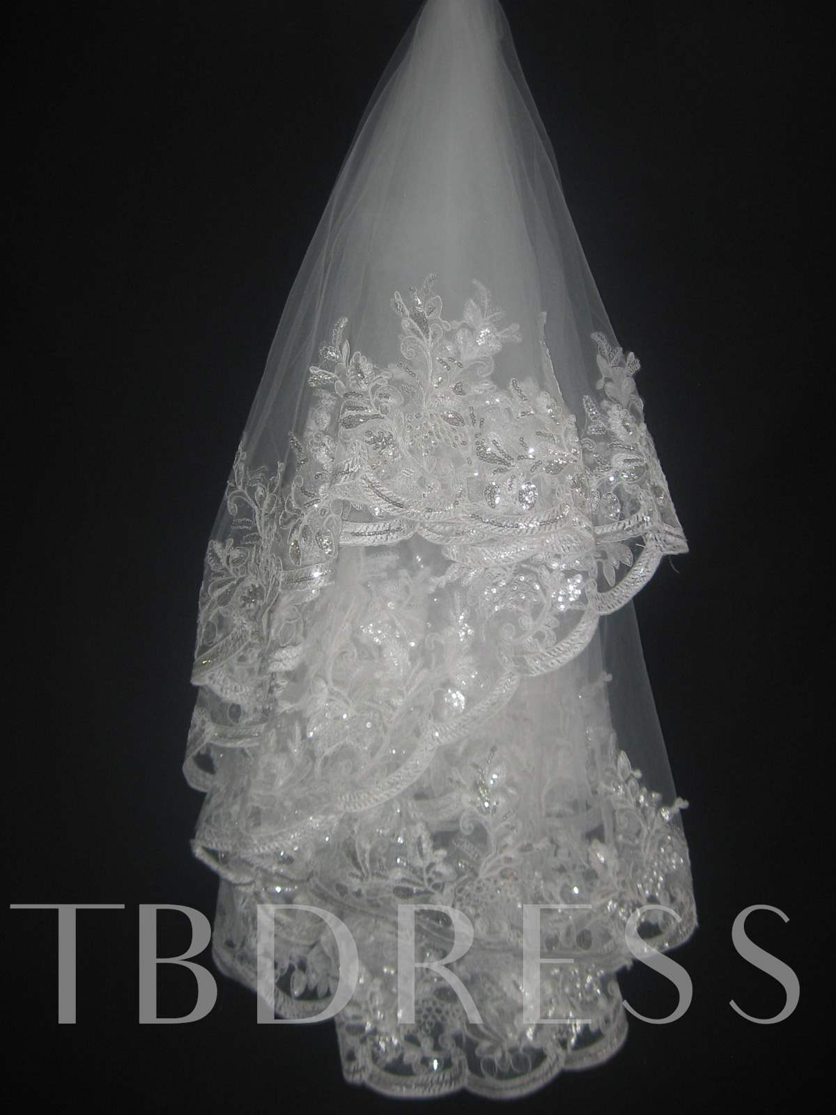 Lace Applique Edge Fingertip Wedding Veil