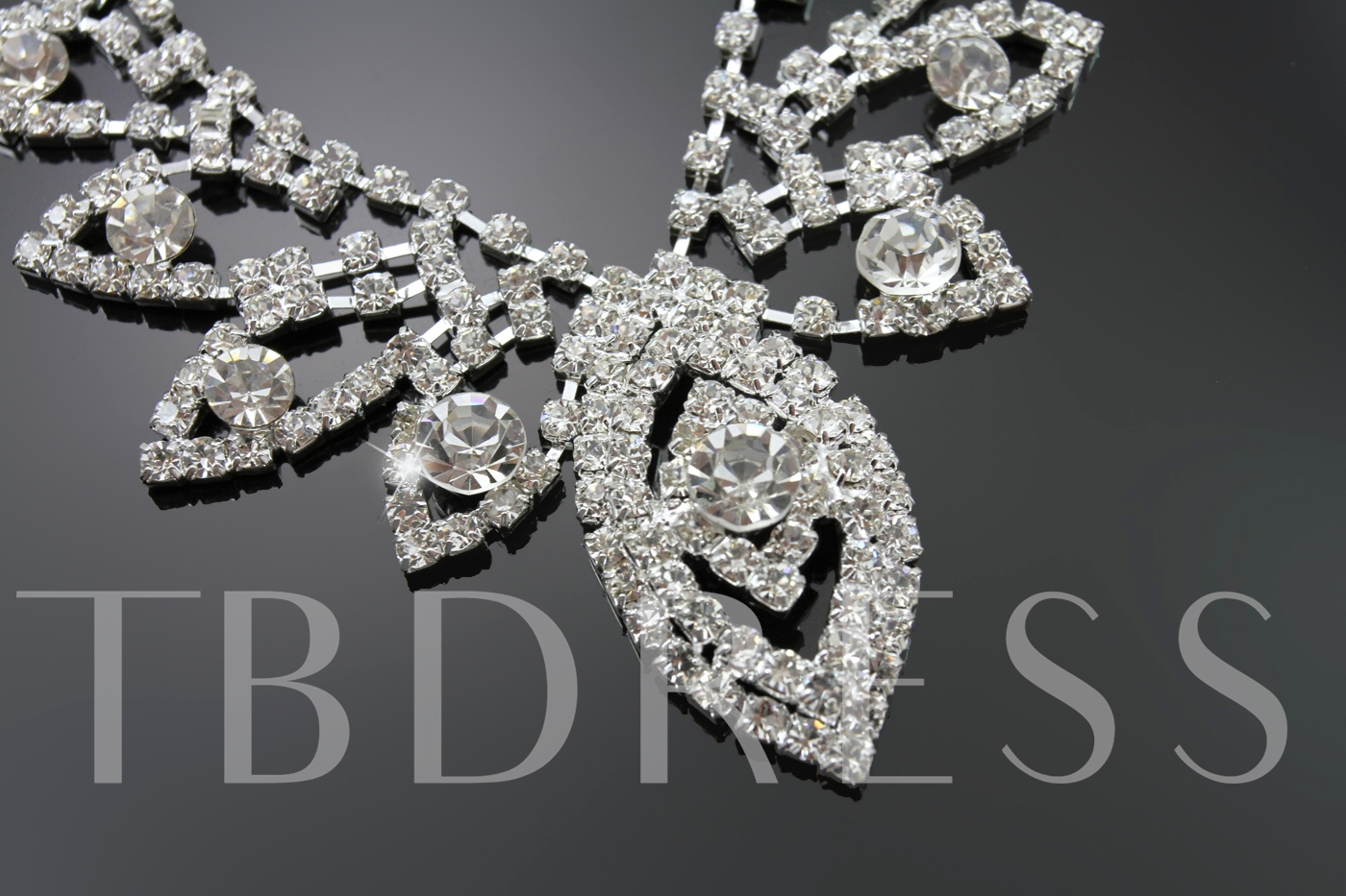 Alloy with Rhinestone Leaf Shaped Wedding Jewelry Set(Including Necklace and Earrings)