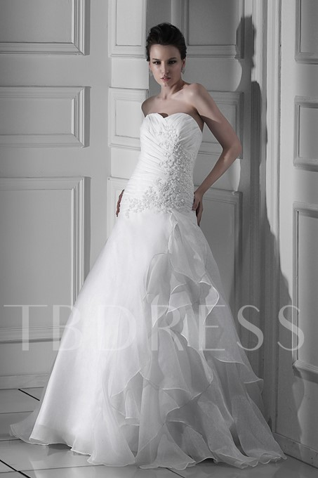 A-line Sweetheart Tiered Floor-Length Appliques Wedding Dress