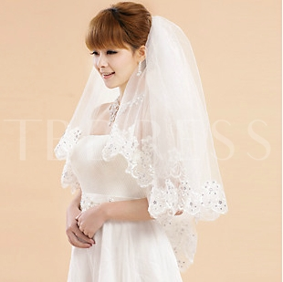 Waltz Wedding Veil With Lace Applique Edge
