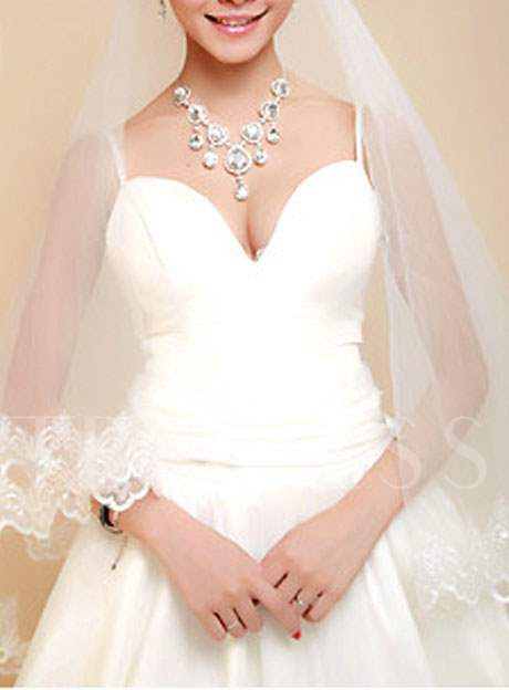 Waltz Wedding Bridal Veils with Lace Flowery Edge