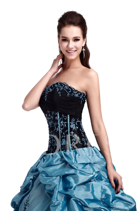 Floor-Length Sweetheart Ball Gown Dress