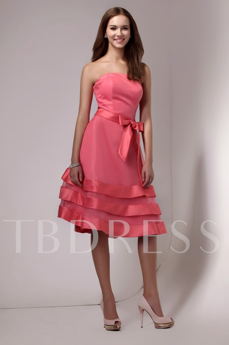 Tiered Knee-Length Strapless Bridesmaid Dress