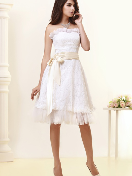 Strapless Knee-Length Lace Wedding Dress