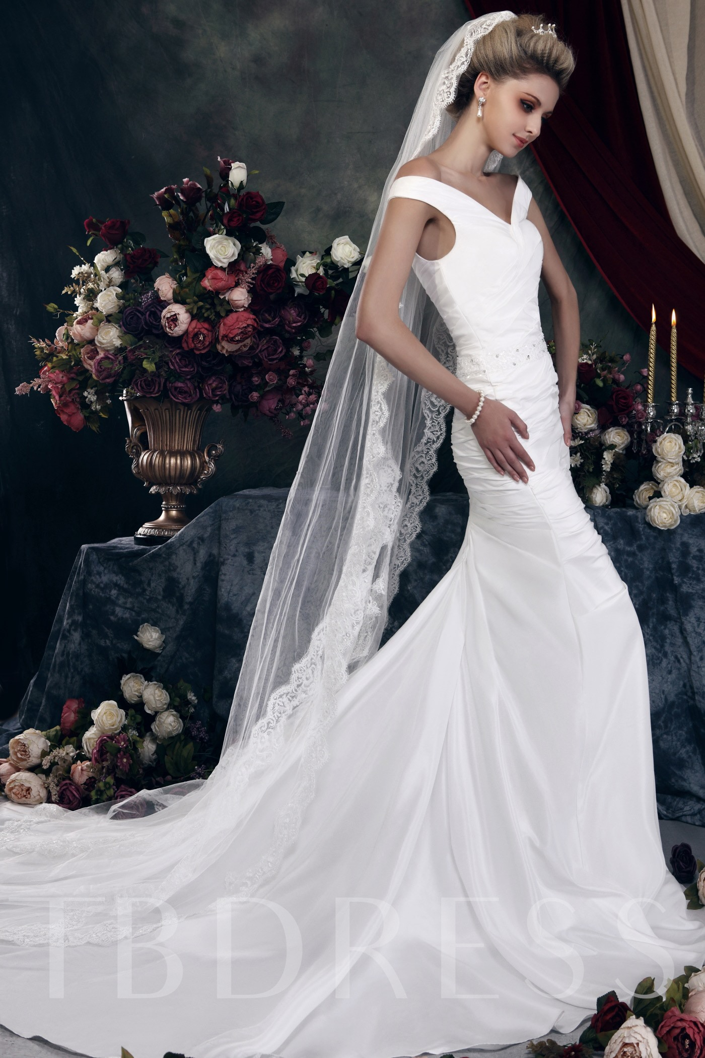 1-Layer Chapel Wedding Bridal Veil with Floral Edge