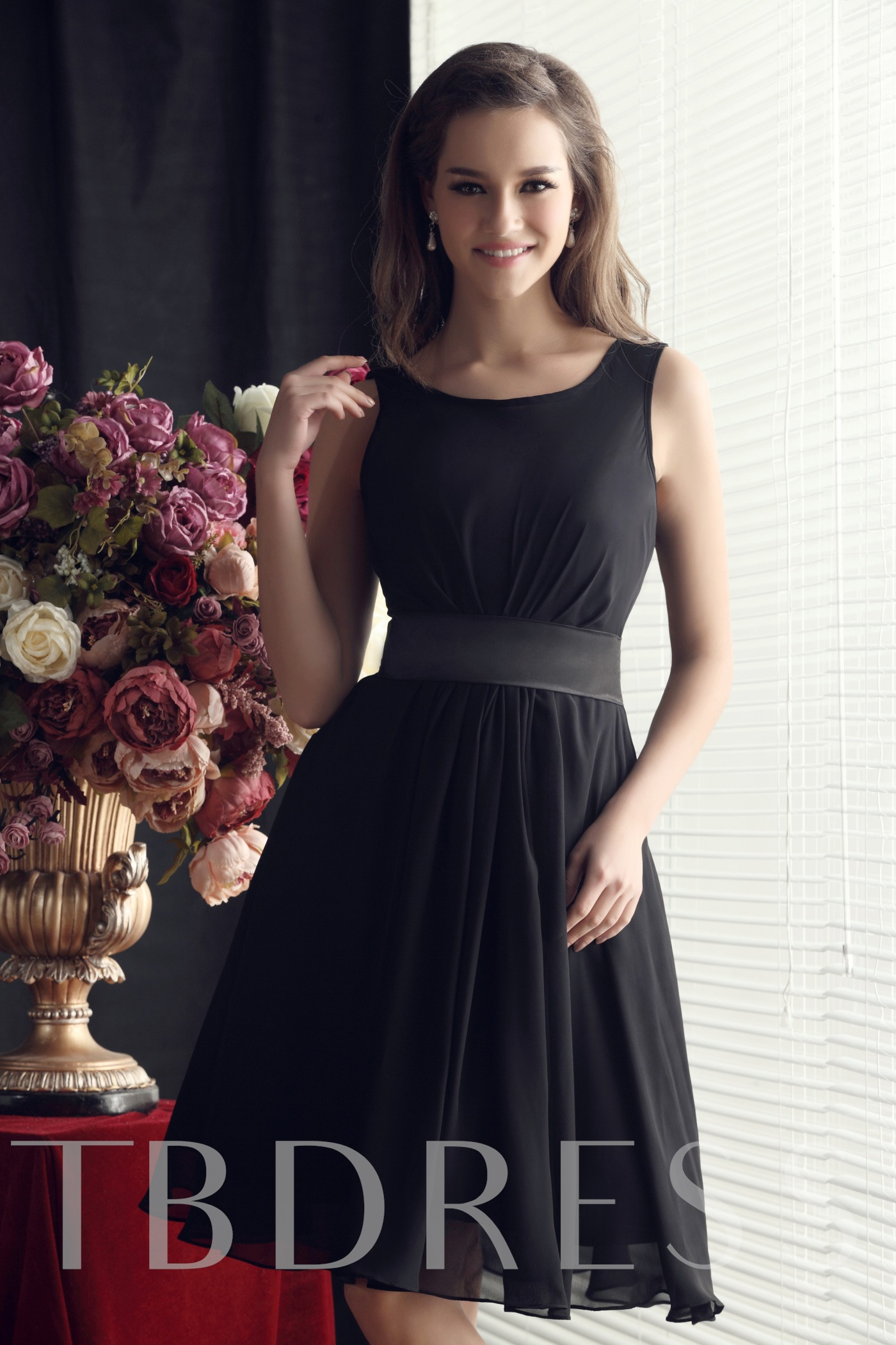 Image of Ruched Scoop Neck Knee-Length Bridesmaid Dress