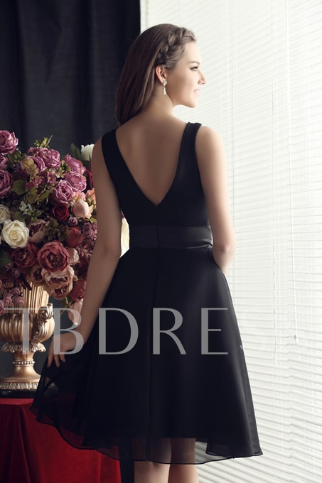 Ruched Scoop Neck Knee-Length Bridesmaid Dress