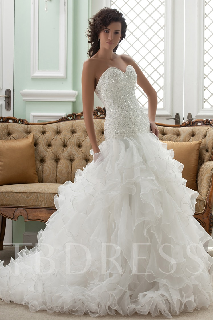 Sweetheart Ruffles Beading Sequined Wedding Dress