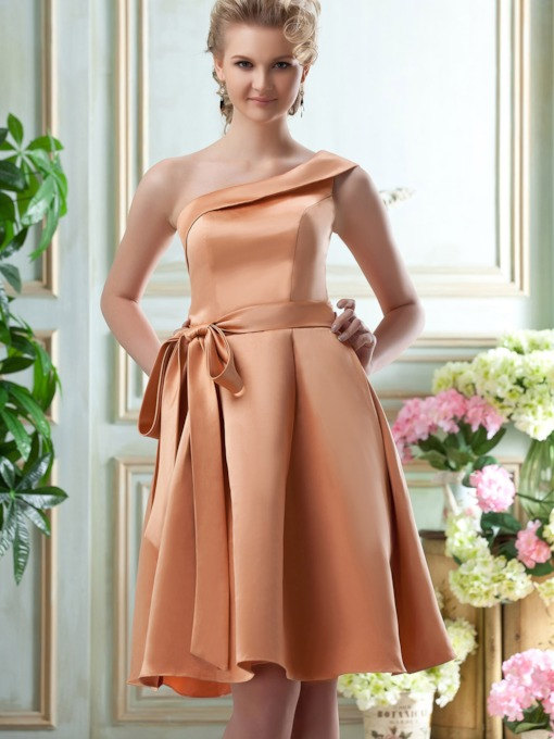 One-Shoulder A-Line Knee-length Bridesmaid Dress