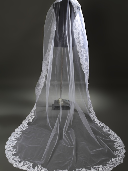 One-tier Cathedral Veils Lace Applique Edge Wedding Veil