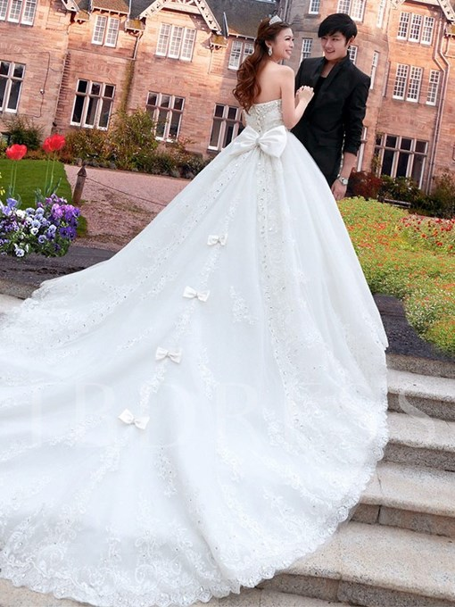 A-Line Sweetheart Cathedral Train Lace & Bowknot Wedding Dress