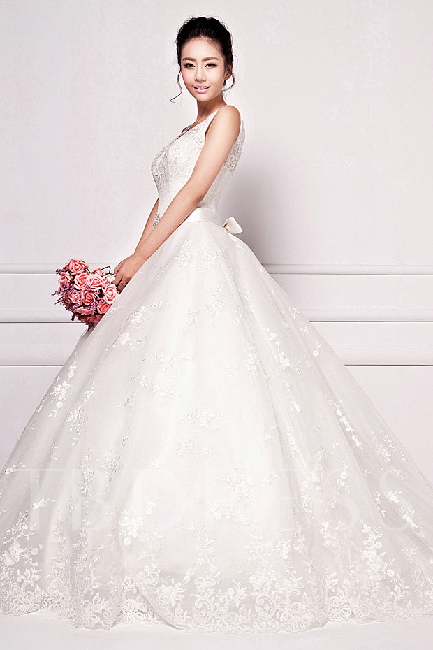 Lace Mid-back Chapel Train Bowknot Sash Wedding Gown