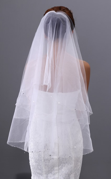 Edge Sequins Fingertip Wedding Veil