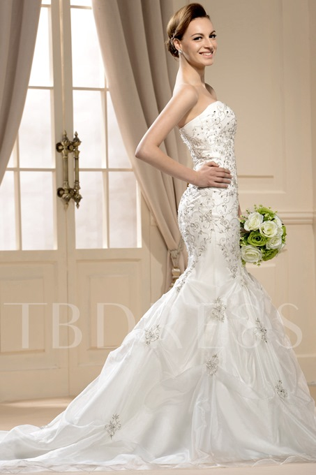Gorgoues Mermaid Strapless Chapel Train Appliques Wedding Dress