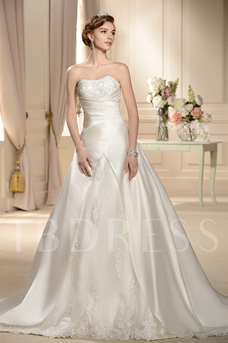 A-line Embroidering Strapless Lace Appliques Wedding Dress