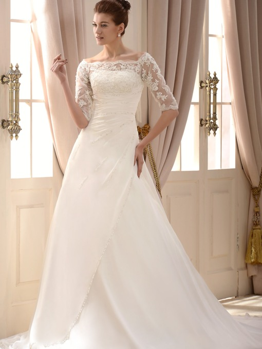 Princess Half Sleeves Appliques Lace Wedding Dress