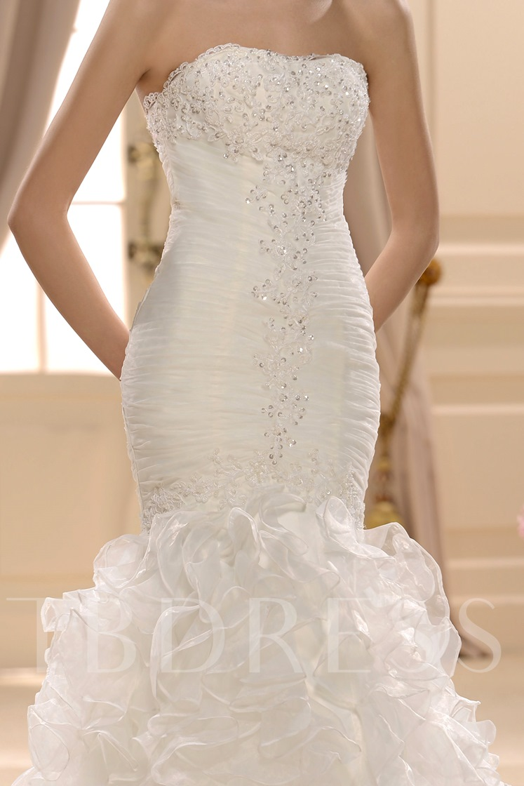 Trumpet/Mermaid Slim Sweetheart Court Train Ruffles Wedding Dress
