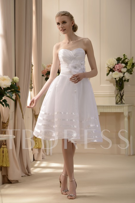 A-line Sweetheart Knee-length Flowers Wedding Dress