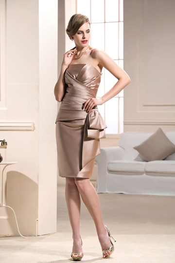 Strapless knee-length Sheath/Column Mother of the Bride Dress