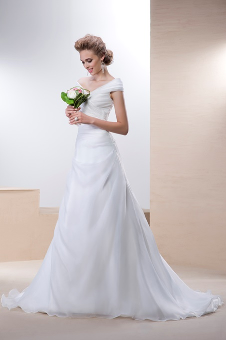 Column Off-the-Shoulder Floor-Length Button Sleeveless Wedding Dress