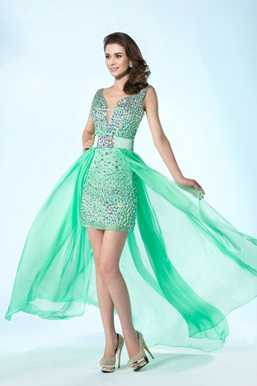 Column/Sheath V-Neckline Beading Prom Dress