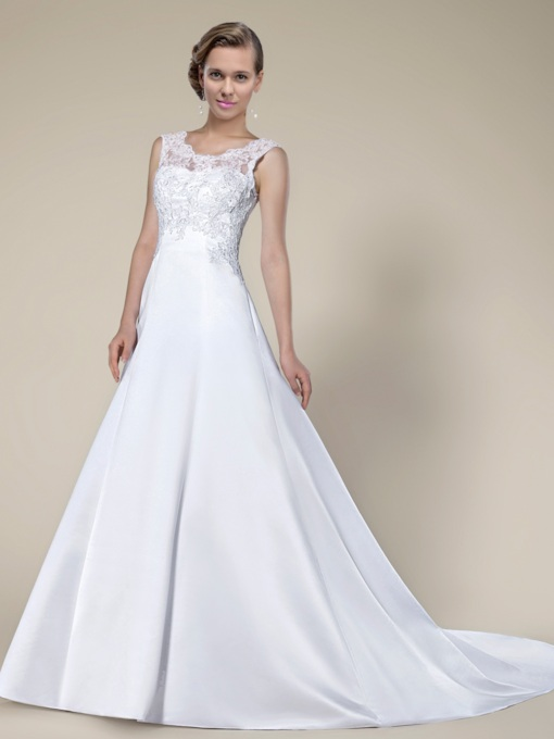 Lace Sleeveless Chapel Train Wedding dress