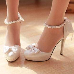 Round Toe Slip-On Beads Stiletto Heel Customized Wedding Shoes