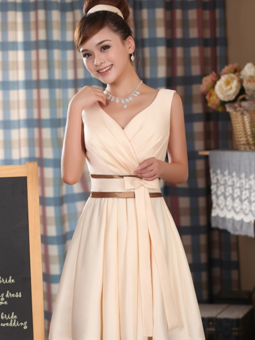 A-Line Knee-Length Sash Bowknot Bridesmaid Dress