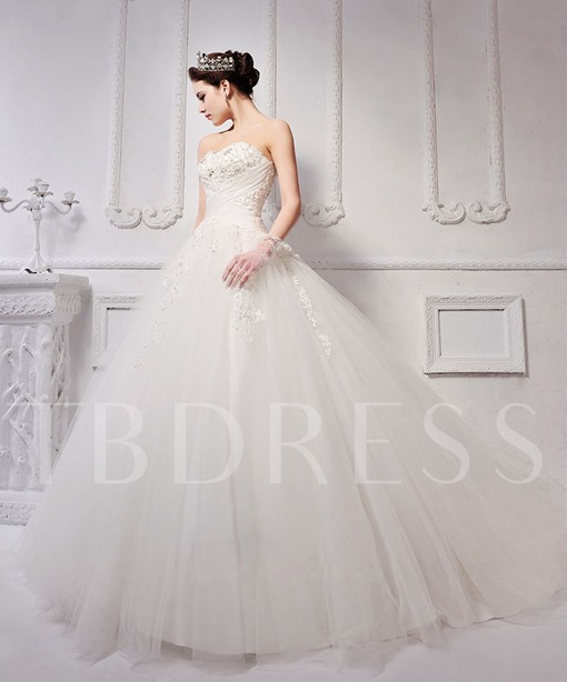 Simple Ball Gown Floor-Length Sweetheart Lace-Up Appliques Wedding Dress