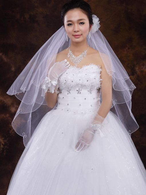 Wedding Veils With Beading Edge