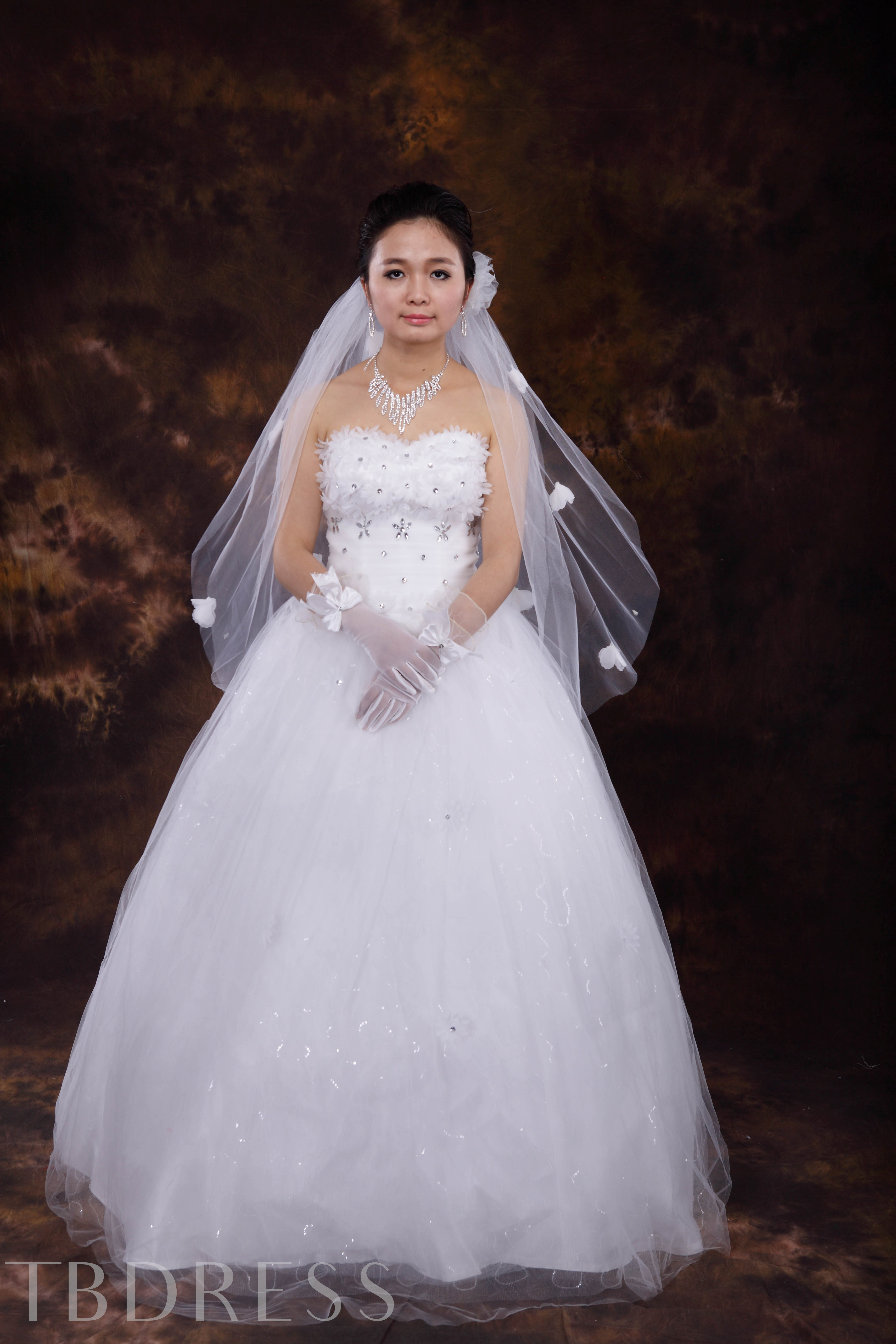 Outstanding Two Layer Elbow Wedding Veil With Flowers