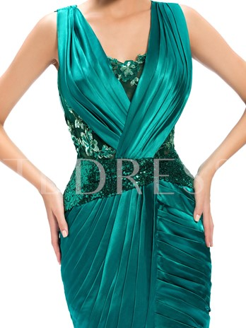 Sheath Straps Appliques Ruched Knee-Length Formal Dress