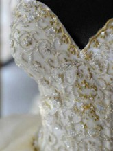 Appliques Beading Pick-ups Ball Gown Wedding Dress