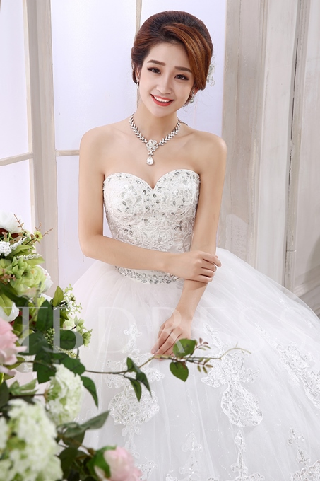 Ball Gown Sweetheart Applique Beaded Wedding Dress