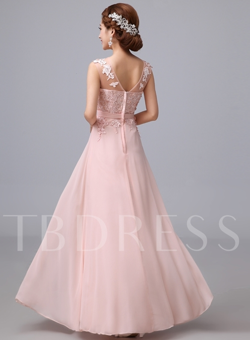 A-Line Scoop Tulle Appliques Pleats Bridesmaid Dress