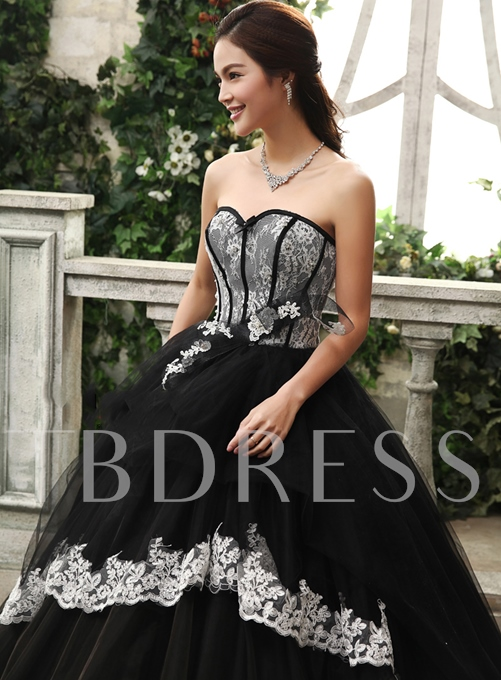 A-line Sweetheart Lace Appliques Floor-Length Quinceanera Dress