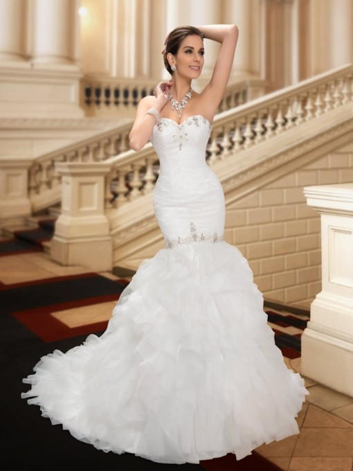 Sweetheart Beading Court TrainTrumpet Wedding Dress