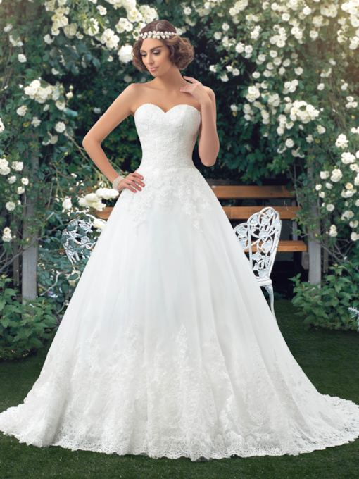 Sweetheart Neckline Button Appliques Wedding Dress