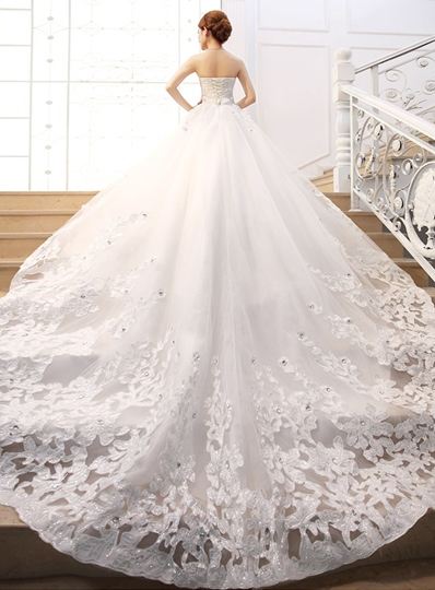 Sweetheart Beaded Appliques Wedding Dress
