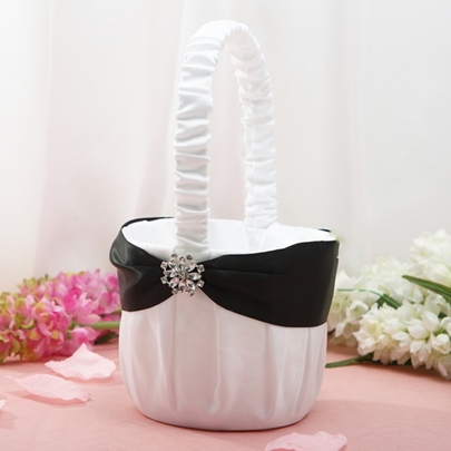 Flower Basket in Satin With Floral Pin