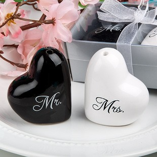 Mr And Mrs Seasoning Pot Wedding Favor