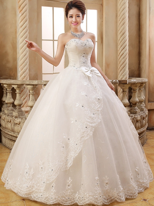 Sweetheart Ball Gown Bowknot Lace Wedding Dress