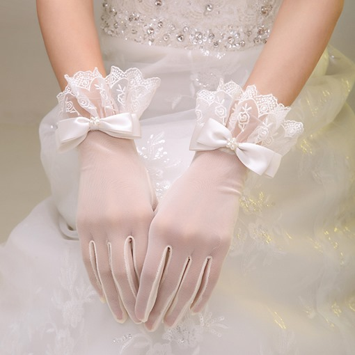 Scalloped Lace Trim Beaded Bowknot Ivory Wedding Gloves